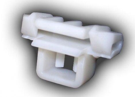Díszlécrögzítő patent 15x24 fehér, 10 db/csomag Mercedes Benz