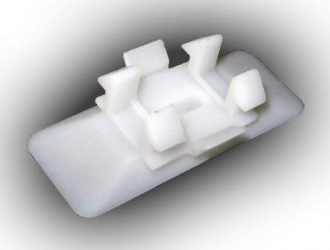 Oldaldíszléc rögzítő patent 48x18,5 fehér, 10 db/csomag Mercedes Benz